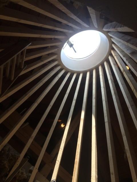Kegelförmige Holzkonstruktion