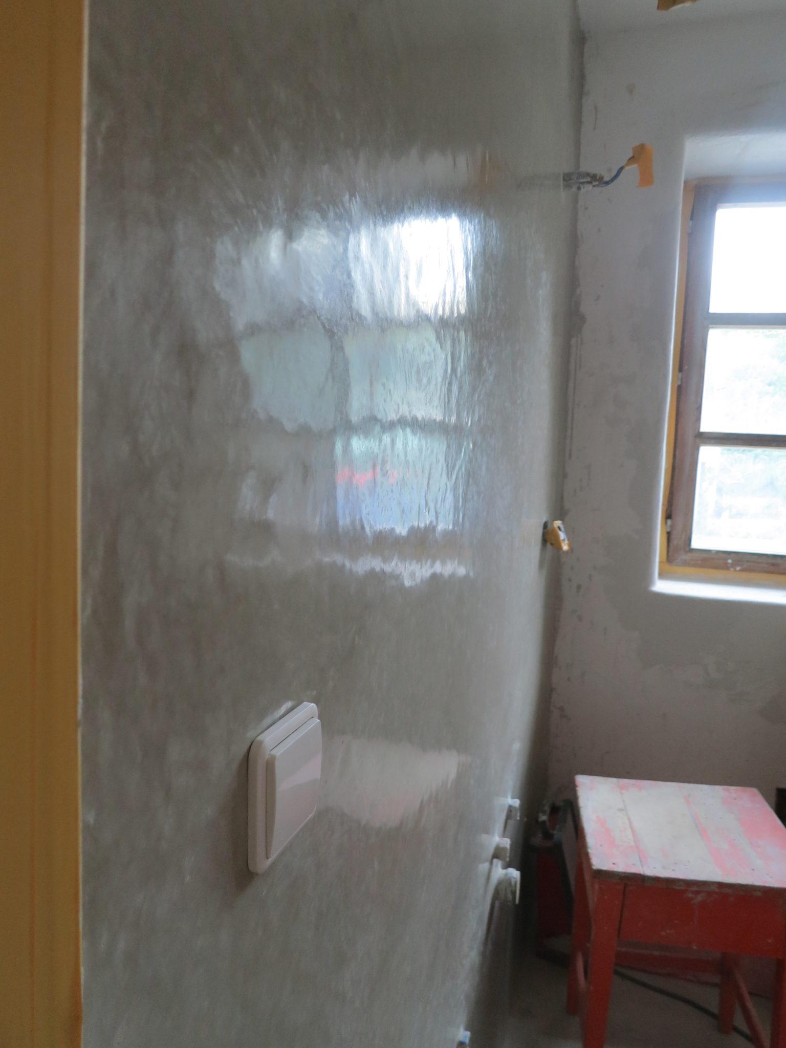 Tadelakt Wand fertig poliert